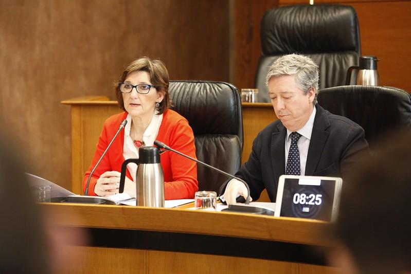 De izquierda a derecha, Rosa Montolío y Alfonso Peña. Autor: Cortes de Aragón